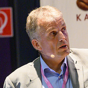 Dr. Norbert Schmitz, 4C